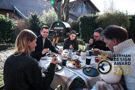 Merklinger Holzbackofen Grill Pizzaofen Brotbackofen Herbst backen mit German Design Award 2021