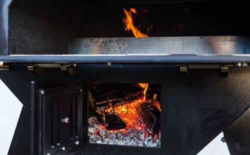 Merklinger Holzbackofen Grill Pizzaofen Brotbackofen Glut mit Feuer