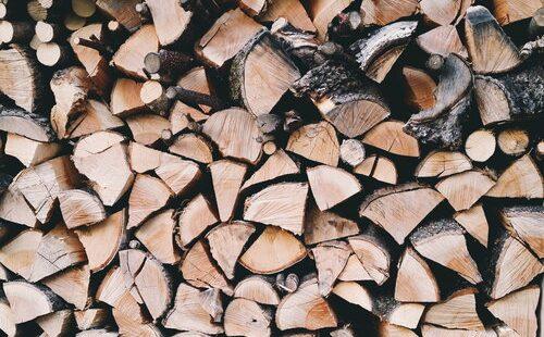 Brennholz für den Merklinger Holzbackofen Grill Pizzaofen Brotbackofen