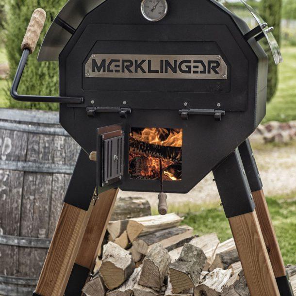 Merklinger Holzbackofen Grill Pizzaofen Brotbackofen 600 geschlossen mit Feuer