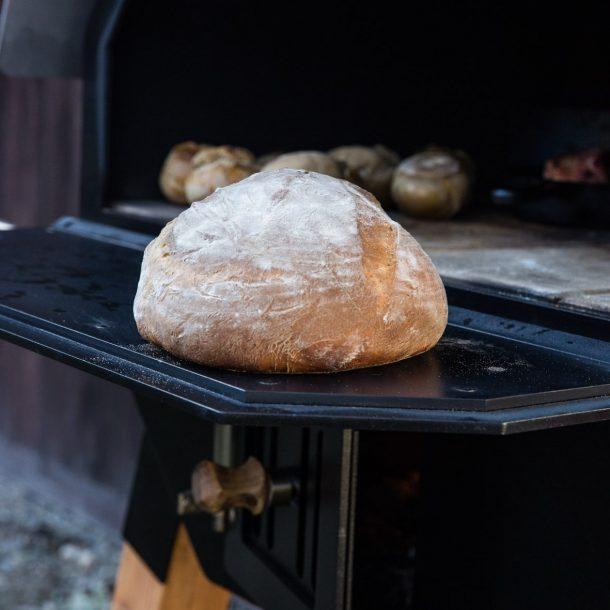 Knuspriges Brot aus dem Merklinger Holzbackofen Grill Pizzaofen Brotbackofen