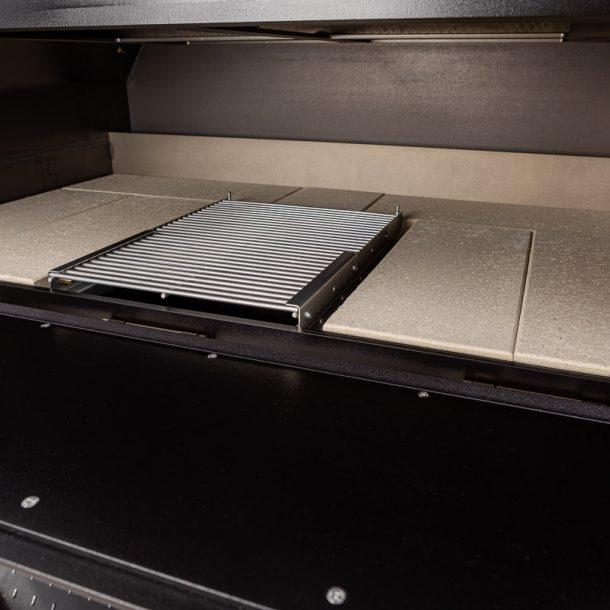 merklinger-holzbackofen-grill-pizzaofen-brotbackofen-1200-vorne-tuere-auf-zoom-2