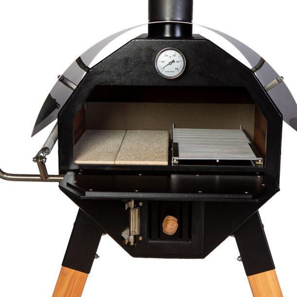 Merklinger Holzbackofen Grill Pizzaofen Brotbackofen 600 Nahansicht mit zwei Schamottsteinen und ausziehbares Grillrost