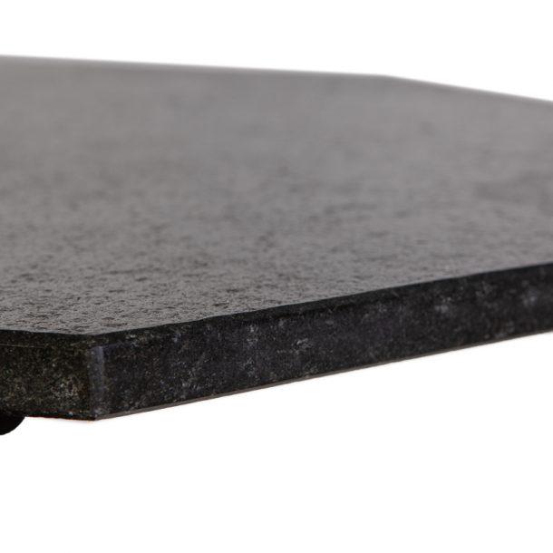 Merklinger Holzbackofen Grill Pizzaofen Brotbackofen 800 mit Seitentisch aus Holz Nahansicht der Granitplatte