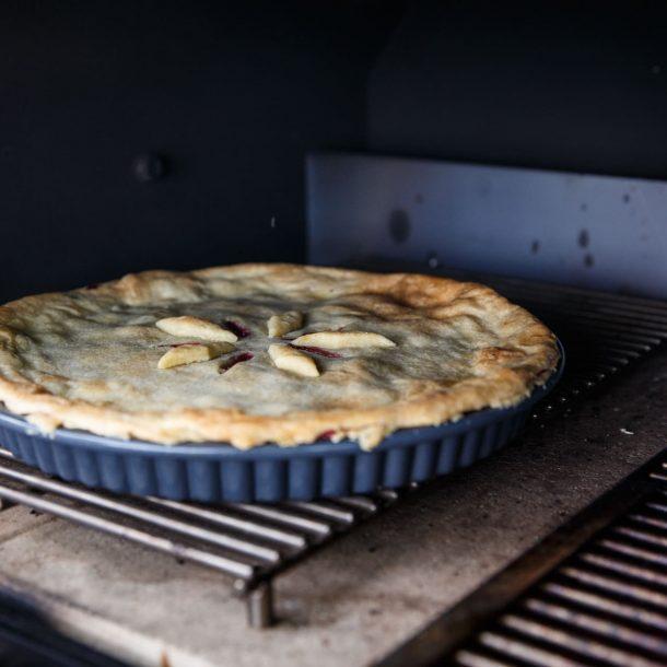 Merklinger Holzbackofen Grill Pizzaofen Brotbackofen Abstandsrost mit Kirschkuchen