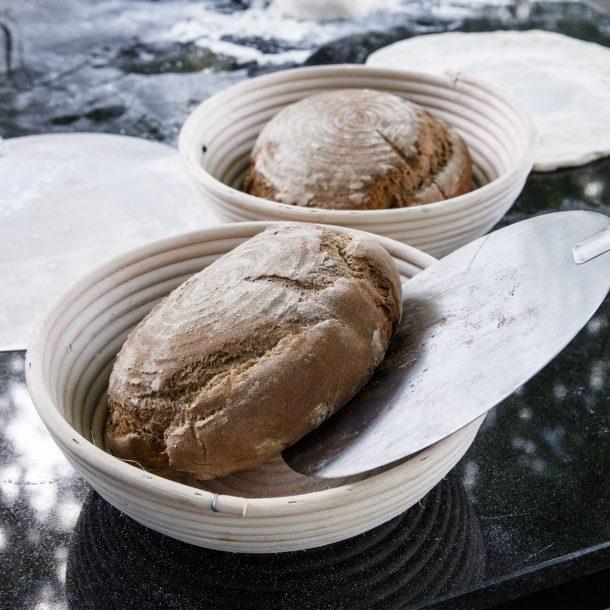 Merklinger Holzbackofen Grill Pizzaofen Brotbackofen Brote im Gärkorb