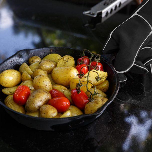 merklinger-holzbackofen-grill-pizzaofen-brotbackofen-zubehoer-motiv-hitzehandschuhe2-schwarz.jpg